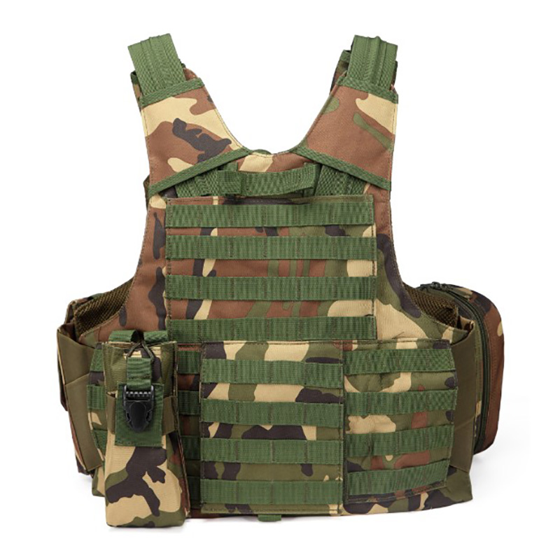 025 Tactical Vest Woodland Camo 2